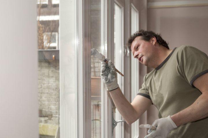 Holzfenster lackieren