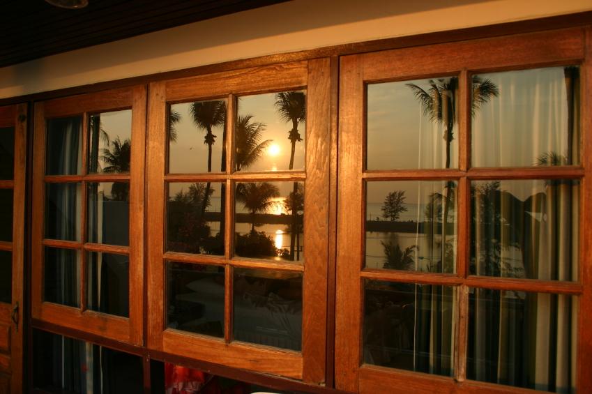 holzfenster reinigen so s ubern sie es schonend. Black Bedroom Furniture Sets. Home Design Ideas