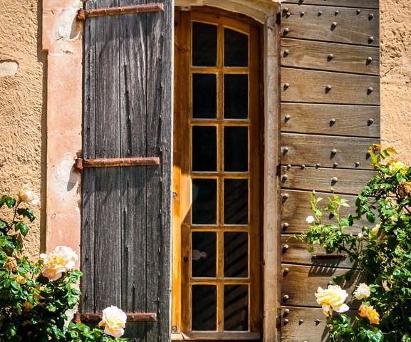 alte fenster sanieren alte holzfenster sanieren wechseln mit messing patina und ebenholz tipps. Black Bedroom Furniture Sets. Home Design Ideas