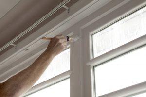 Holzfenster streichen