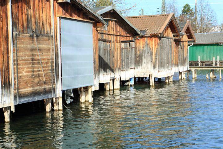 Bootshaus auf Stelzen