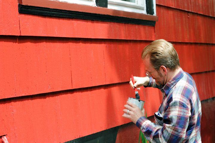 Wann Holzhaus streichen