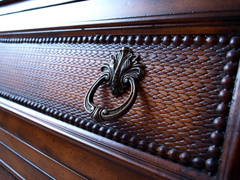 holzm bel richtig streichen anleitung in 4 schritten. Black Bedroom Furniture Sets. Home Design Ideas