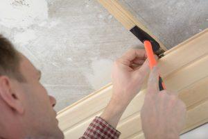 Holzpaneele Decke montieren