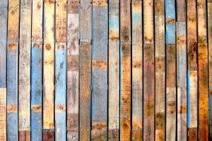 Holzpaneele lösen