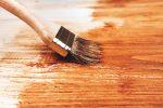 Holzplatte lackieren