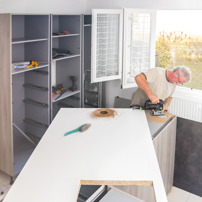 Holzregal bauen » Anleitung in 3 Schritten