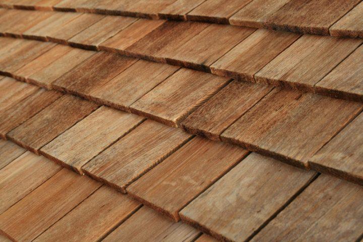 Holzschindeln verlegen