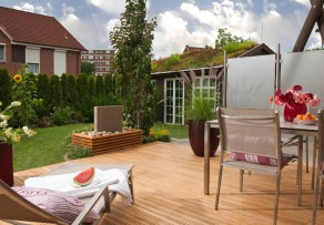 holzterrassen selber bauen anleitung in 4 schritten. Black Bedroom Furniture Sets. Home Design Ideas