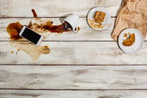 Holztisch Wasserflecken entfernen