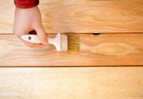 holztisch beizen anleitung in 3 schritten. Black Bedroom Furniture Sets. Home Design Ideas