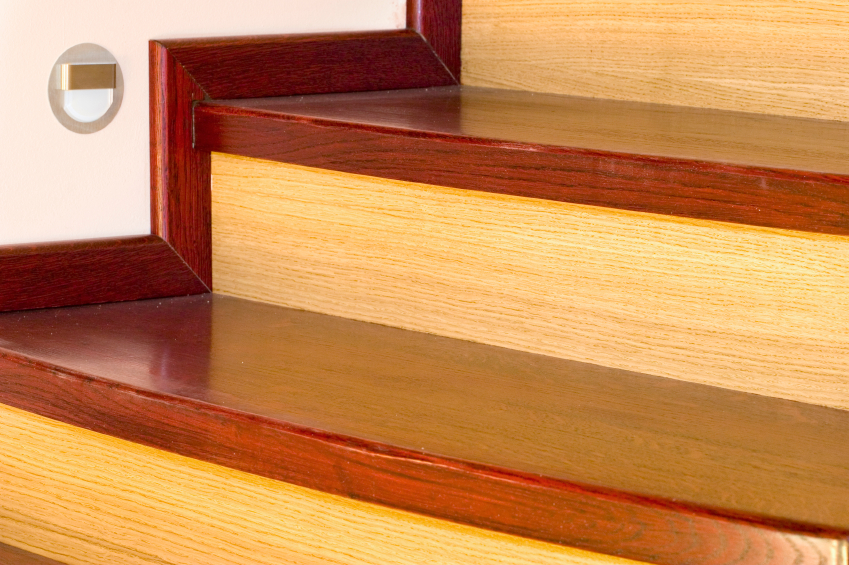 Holztreppen reinigen anleitung in 4 schritten - Badezimmer putzen anleitung ...