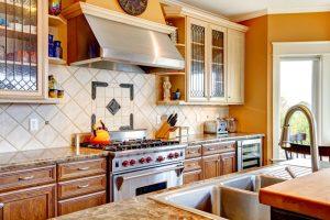 Küche Fliesen streichen