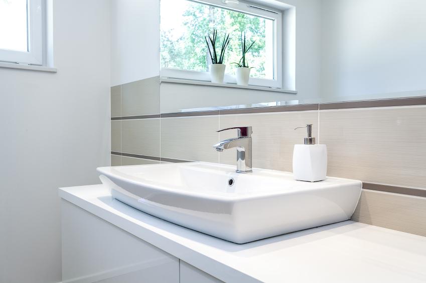 Schäden am Keramik-Waschbecken reparieren » Anleitung