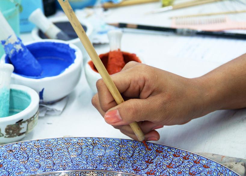 Ton Keramik Unterschied keramik selbst bemalen anleitung in 4 schritten