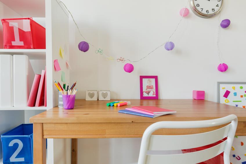 kinderschreibtisch selber bauen das sollten sie bedenken. Black Bedroom Furniture Sets. Home Design Ideas