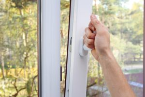 Klapp Schwingfenster putzen