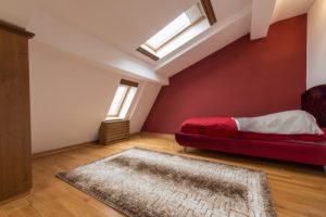 Dachschräge kleiner Raum