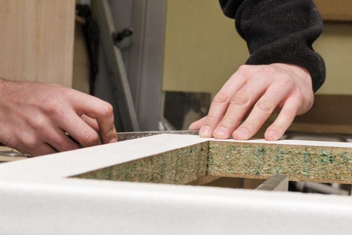 Küchenarbeitsplatte abnehmen