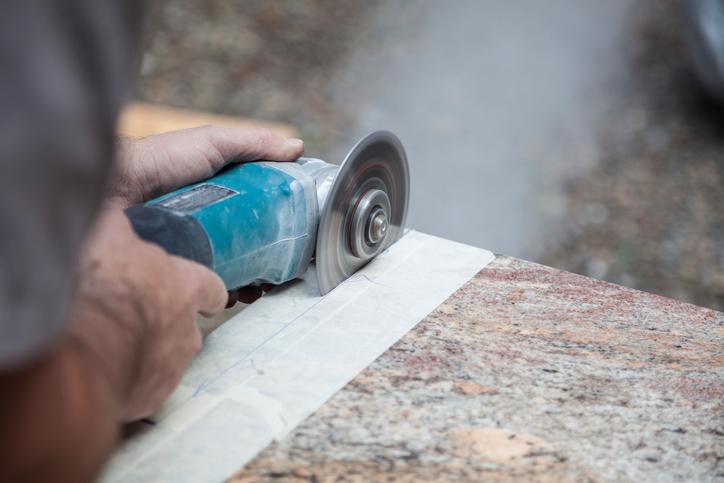 Küchenarbeitsplatte zuschnitt  Küchenarbeitsplatte über Eck schneiden » So wird's gemacht