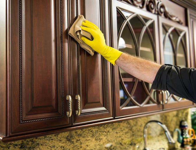 Küchenfronten reinigen » So werden sie schonend sauber