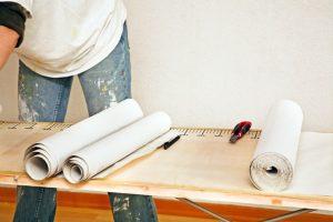 Küchenschrank mit Tapete bekleben