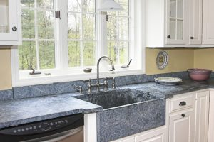Küchenspüle Granit sauber machen
