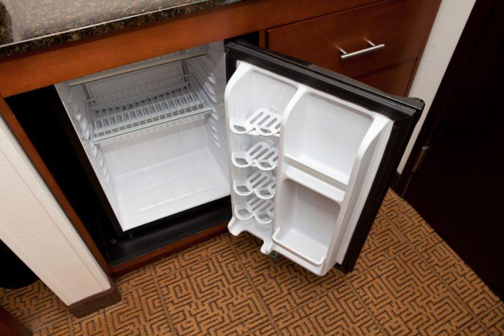 Kleiner Kühlschrank Wohnzimmer : Küche esszimmer und wohnzimmer in einem kleinen raum