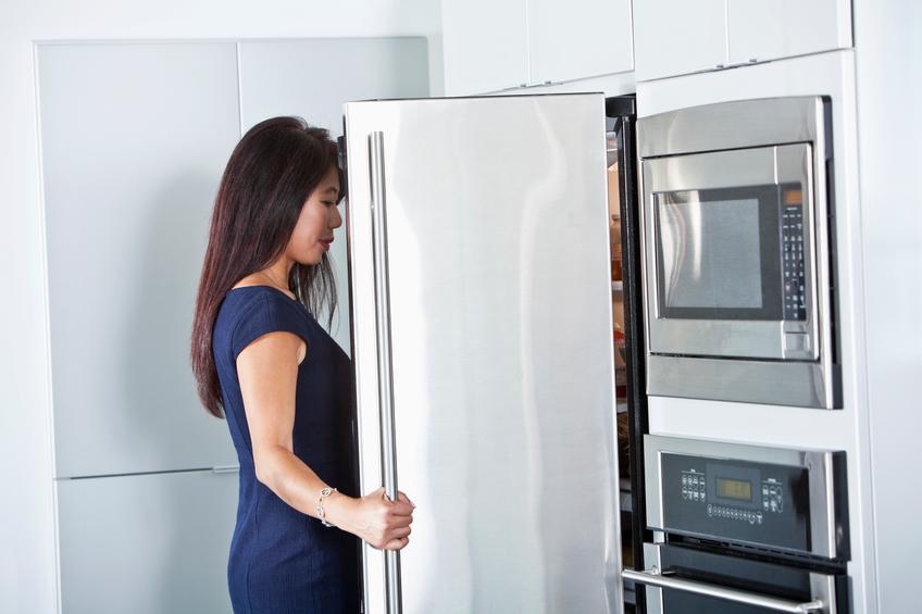 Smeg Kühlschrank Abtauen : Der kühlschrank knackt woran kann es liegen