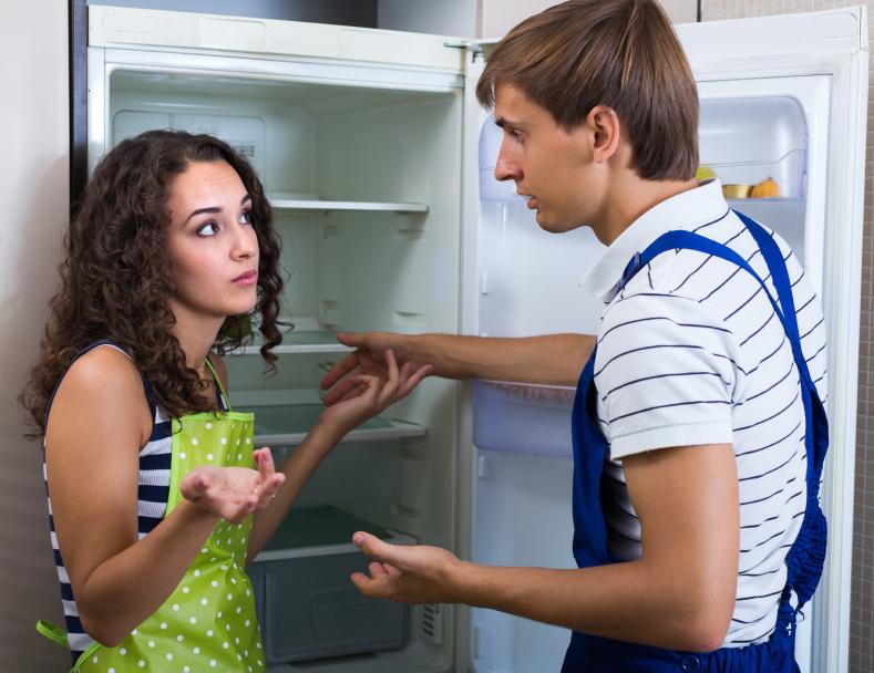 Amica Kühlschrank Aufstellen : Kühlschrank wackelt so schaffen sie abhilfe