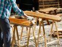 Wie Kunstharz altem Holz helfen kann
