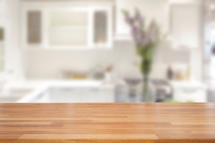 Kunstharz Beschichtung Tisch