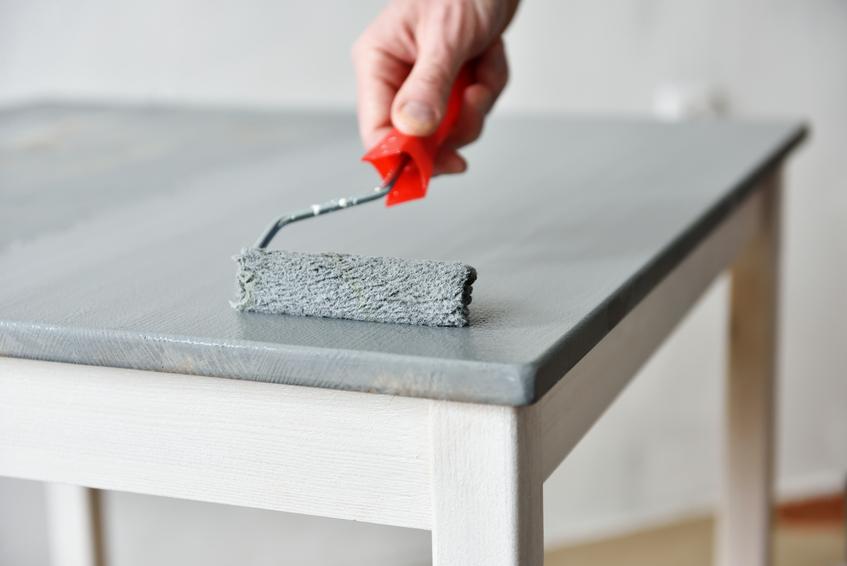 kunstharzlack berlackieren das sollten sie beachten. Black Bedroom Furniture Sets. Home Design Ideas