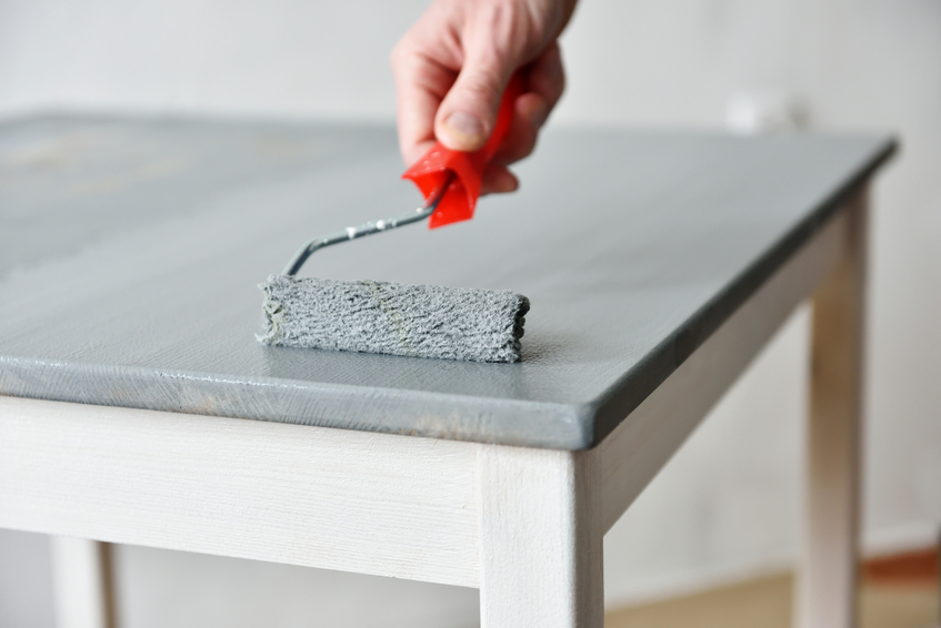 Kunstharzlack berlackieren das sollten sie beachten - Comment recouvrir une table en bois ...