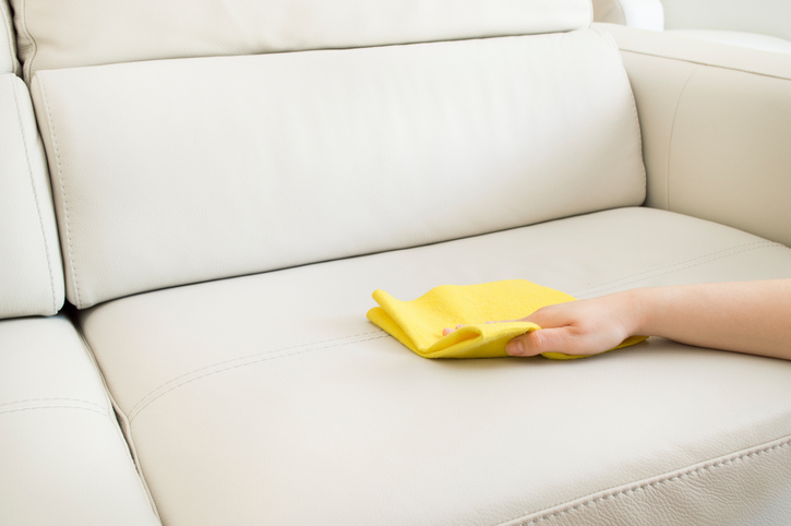 die haltbarkeit eines kunstleder sofas so verl ngern sie sie. Black Bedroom Furniture Sets. Home Design Ideas