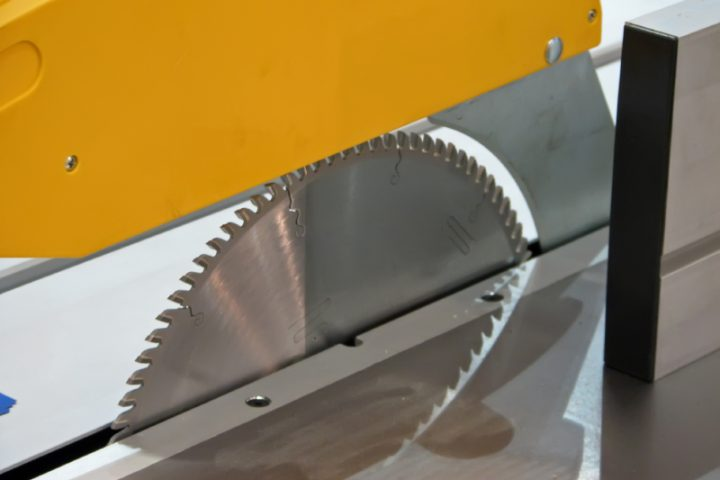 Kunststoffplatten schneiden