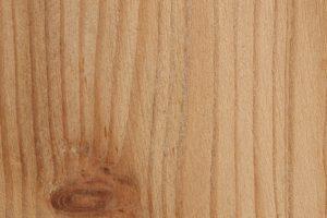 Lärchenholz behandeln
