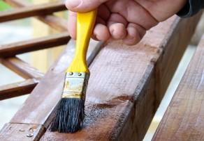 Klettergerüst Streichen : Lärchenholz streichen das sollten sie beachten