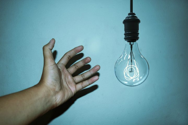 LED leuchtet nach dem Ausschalten