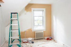 Schlafzimmer streichen mit Latexfarbe