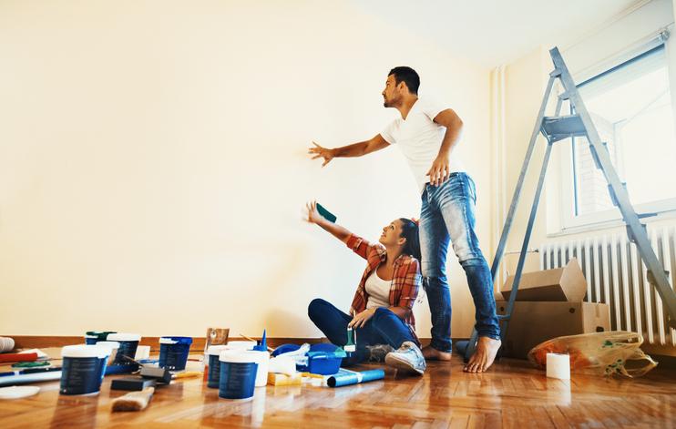 latexfarbe auf die wand aufbringen so geht 39 s am besten. Black Bedroom Furniture Sets. Home Design Ideas