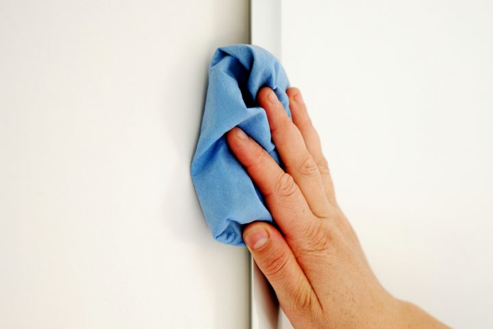 Latexfarbe Wand abwaschen