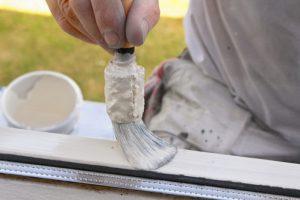 Mahagoni Fenster lackieren
