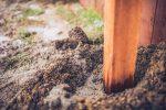 Maschendrahtzaun Pfosten betonieren