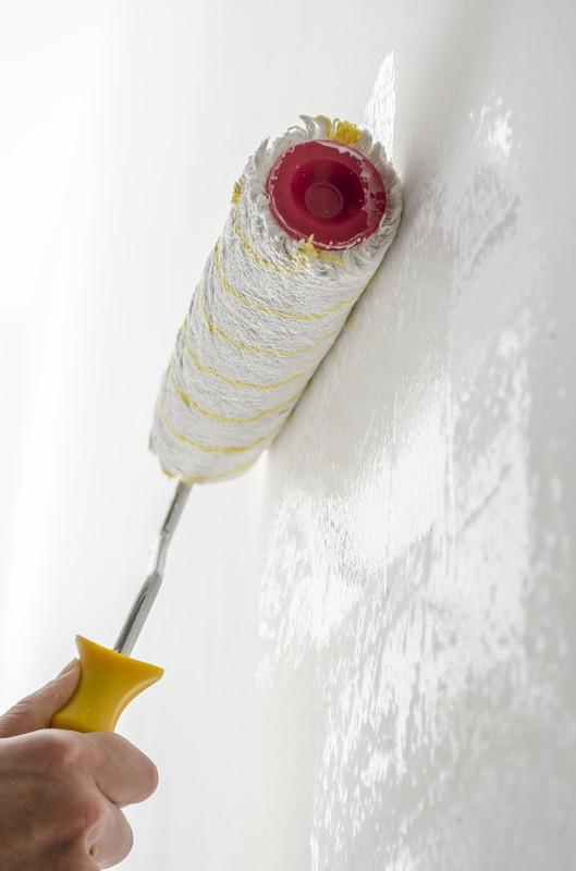 Mauer streichen