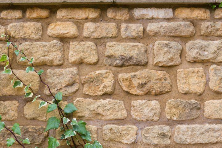 Mauerabdeckung überstehen
