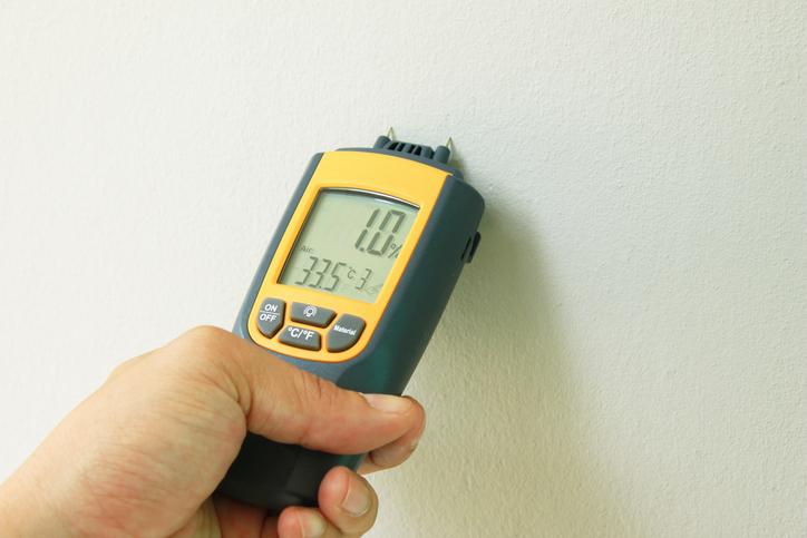 Mauerwerk so messen sie die feuchtigkeit for Wand feuchtigkeit