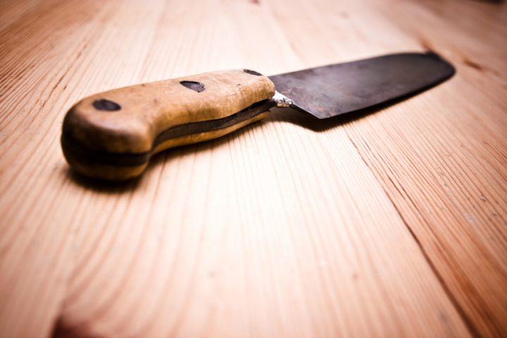 Messer wegwerfen