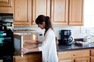 Mikrowelle gefrorenes Essen