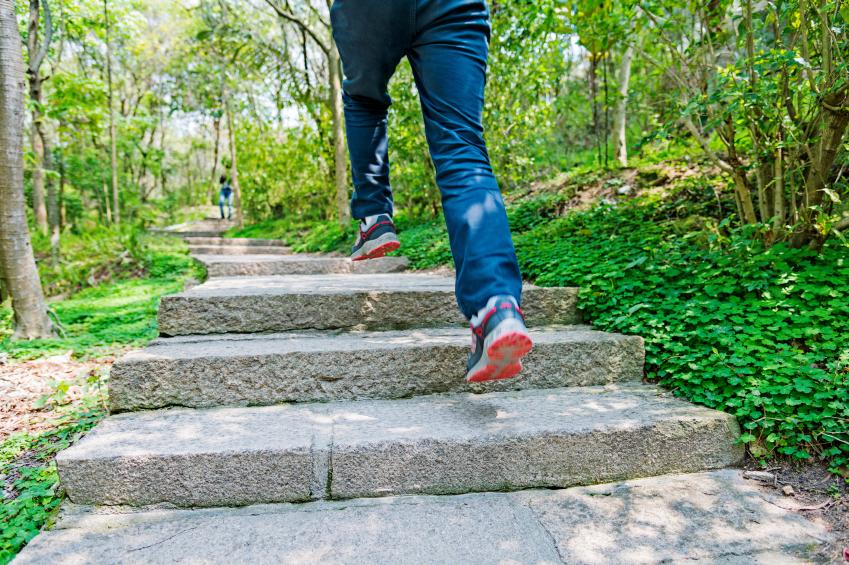 Geliebte Natursteintreppe bauen » Anleitung in 4 Schritten @WR_64